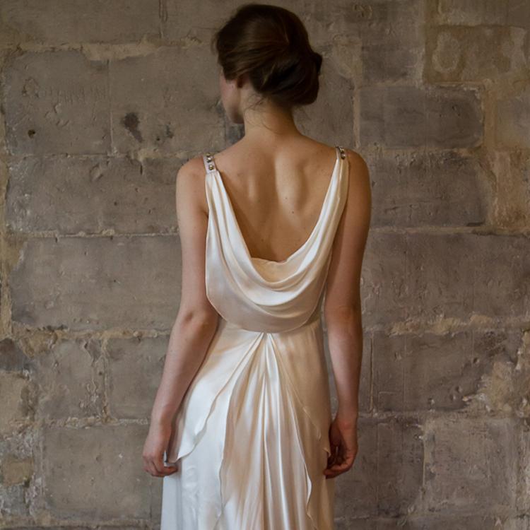 Alesandra paris boutiques de robes et de tenues paris for Boutiques de robe de mariage charleston