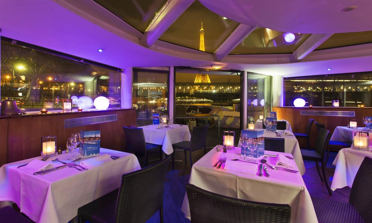 Vip paris yacht h tel lieux atypiques bateaux plage for Hotel paris 75