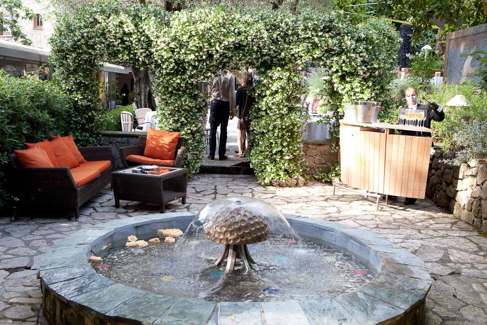 Le moulin de mougins h tels auberges et salles de - Hotel de mougins restaurant le jardin ...