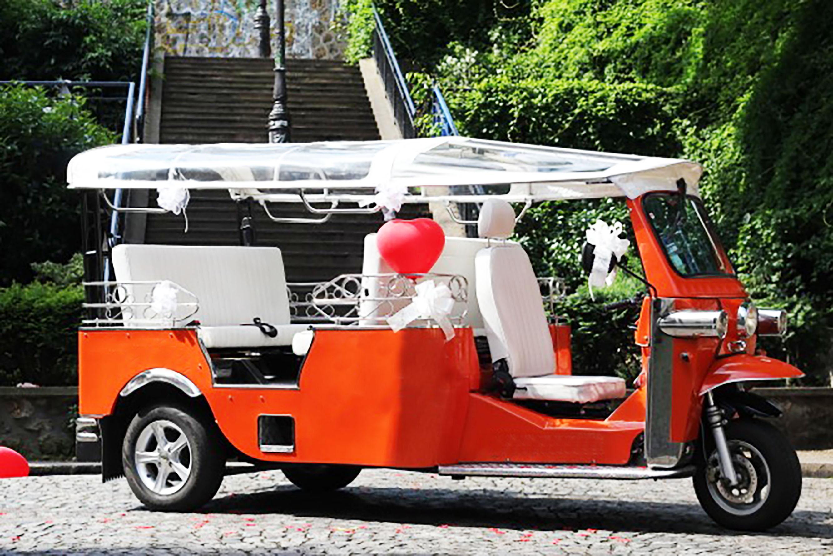 tuktuk ride paris location de v hicule paris 75 paris les prestataires de mariage com. Black Bedroom Furniture Sets. Home Design Ideas