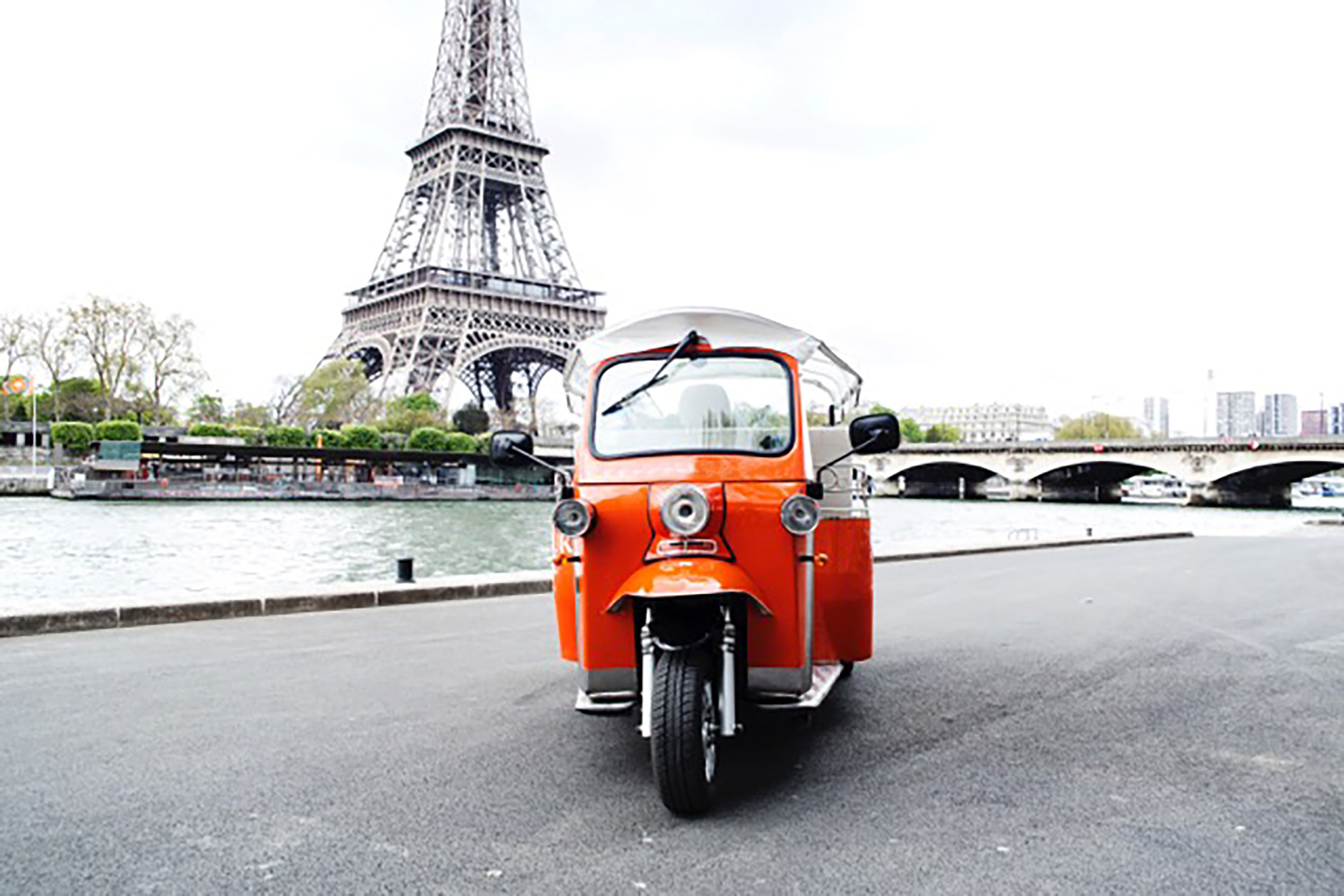 tuktuk ride paris location de v hicule paris 75 paris les prestataires de mariage com. Black Bedroom Furniture Sets. Home Design Ideas
