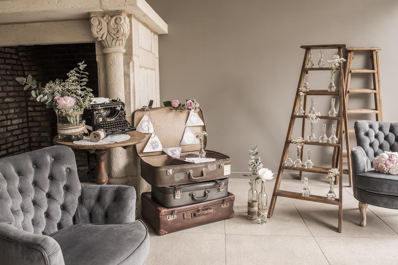 d day deco articles f tes mobilier chapiteaux. Black Bedroom Furniture Sets. Home Design Ideas