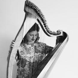 Lise MARTIN-LE CHÊNE, harpiste et chanteuse