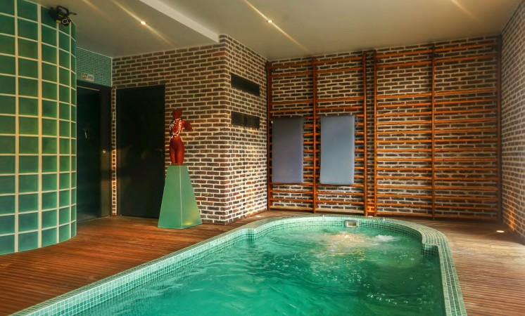 sweethome lacroute buffet maison d 39 h tes spa. Black Bedroom Furniture Sets. Home Design Ideas