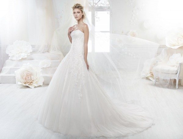 Robe De Mariée Look 21 Par Nicole Spose Collection Colet