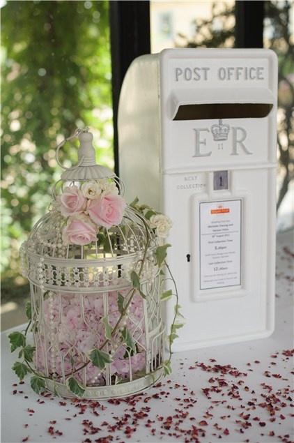 Si vous désirez une urne de mariage originale, optez pour une post office à  l\u0027ancienne et recevez les douces intentions de votre entourage.