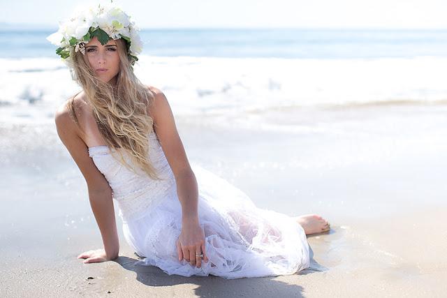 Une robe de mari e pour une union sur la plage for Meilleurs concepteurs de robe de mariage de plage