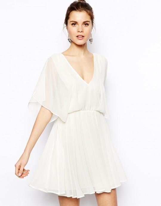 robe blanche courte ample les robes sont populaires partout dans le monde. Black Bedroom Furniture Sets. Home Design Ideas