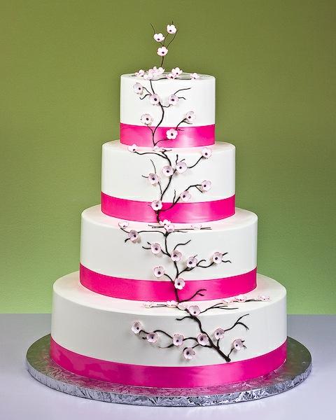 Best Cake Artist In The World : Gateau des maries : une pluie de rose ! Mariage ...