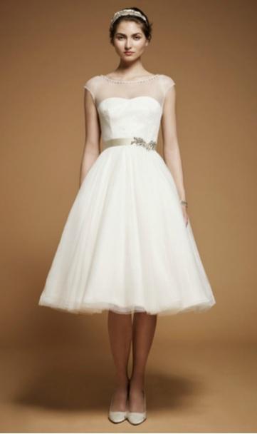 JENNY PACKAM Robe de mariée Jenny Packam ambiance 60' pour un look sophistiqué et rétro.  Photo : Jenny Packam ©