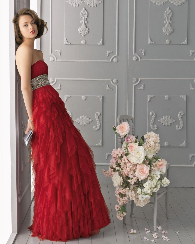 1354ceaad16 Romantique Dotée de longueurs vertigineuses drapées de tulle rouge vif