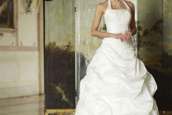 choisir-sa-robe-de-mariee-sur-internet_230_1044