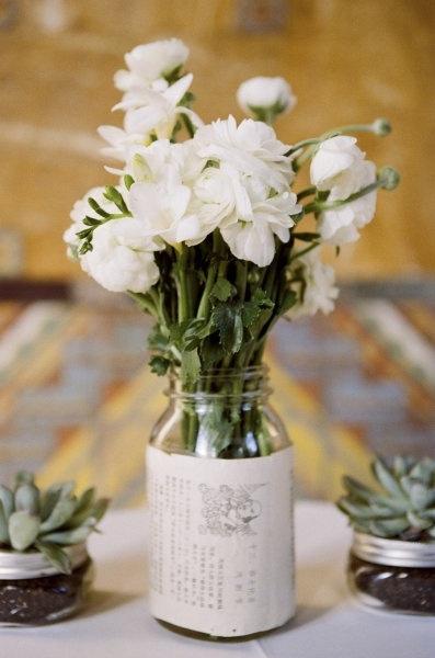 il-existe-une-multitude-de-varietes-de-fleurs-blanches-rosescamelias-_544_8623