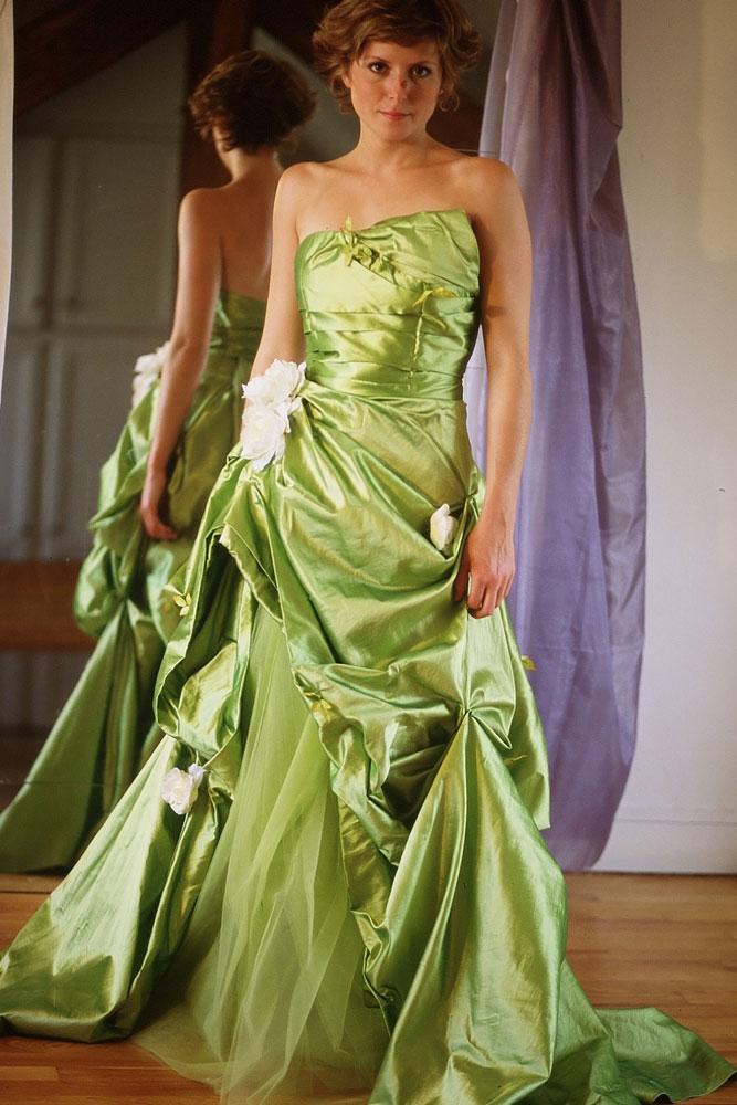 Du vert, du vert et encore du vert pour ce modèle Primevère de la ligne Romantique de la collection 2012 de chez Marie Laporte.