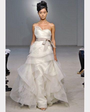 Vera wang collection 2012 for Meilleures robes de mariage vera wang