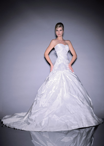 Anita jakobson collection printemps t 2012 for Magasins de robe de mariage san diego