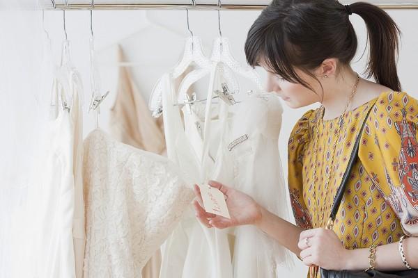 trouver-une-robe-de-mariee-belle-et-pas-chere-la-course-a-lexploit_111_868