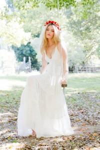 une-robe-parfaiteune-couronne-de-fleurun-look-boheme-pour-etre-la-plus-belle-le-jour-j_33_8631