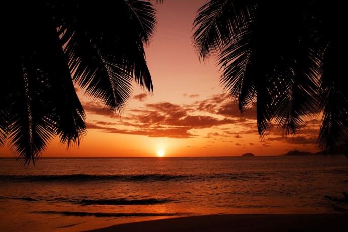 coucher de soleil aux seychelles