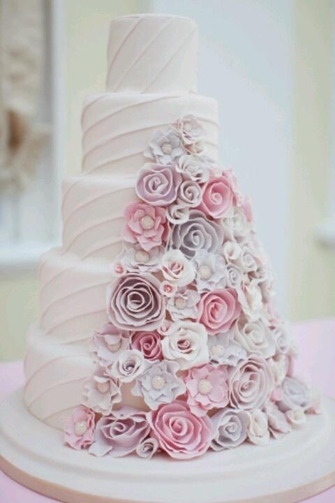 1 wedding cake roses pastel