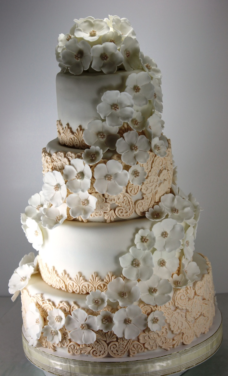 3 wedding cake marguerite