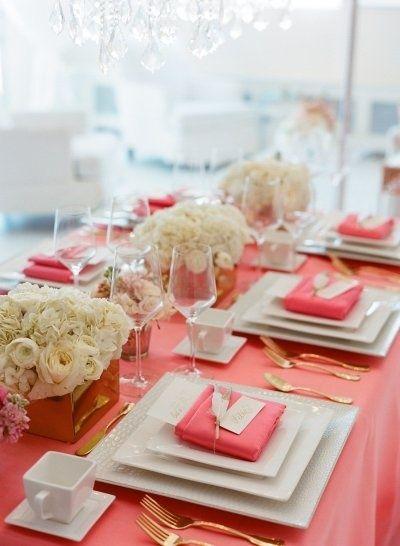 Douceur corail une couleur tendance pour mon mariage for Service de table cora