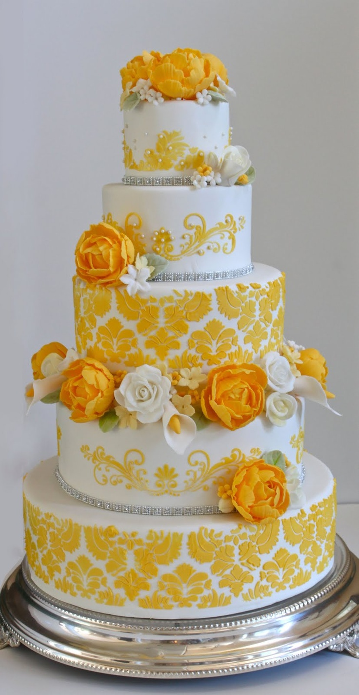8 wedding cake fleuri jaune