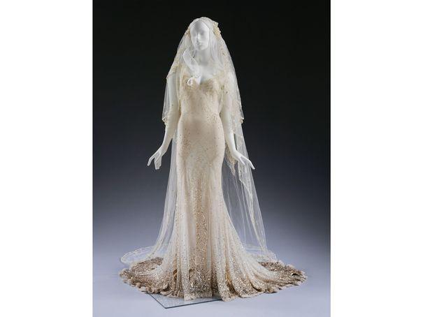 2011 : la désormais célèbre robe de mariage de Kate Moss signée John Galliano
