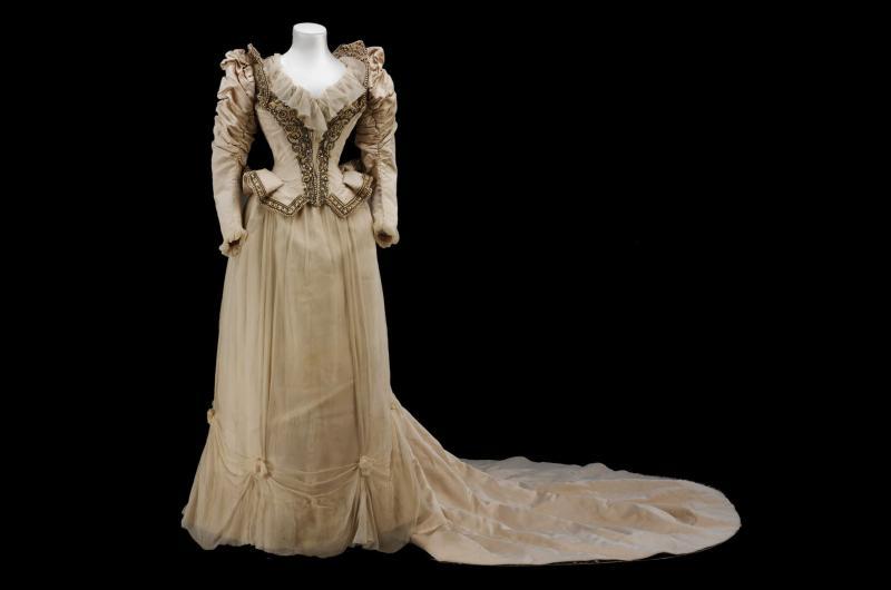 1890 : La robe signée Paquin Lalanne et Cie Paris pour Cara Leland Huttleston Rogers