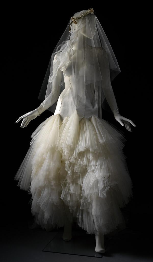 2012 : La robe du créateur Pam Hogg pour Lady Mary Chateris