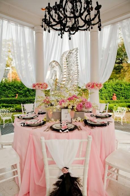 cygne en verre centre de table roses