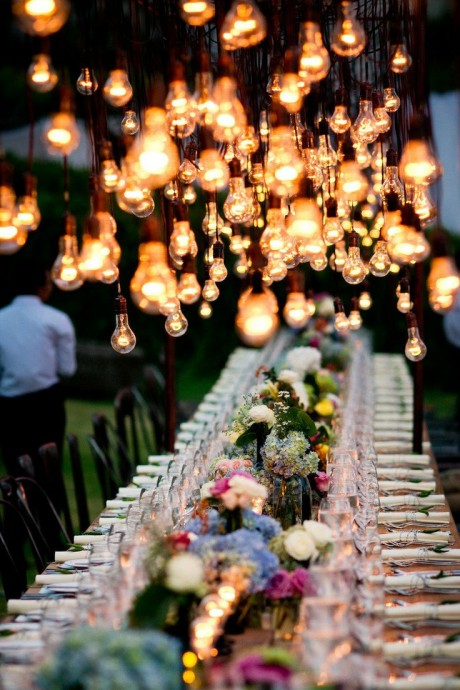 lovely guirlande lumineuse pour mariage 8 guirlandes au dessus des tables ciel etoile. Black Bedroom Furniture Sets. Home Design Ideas
