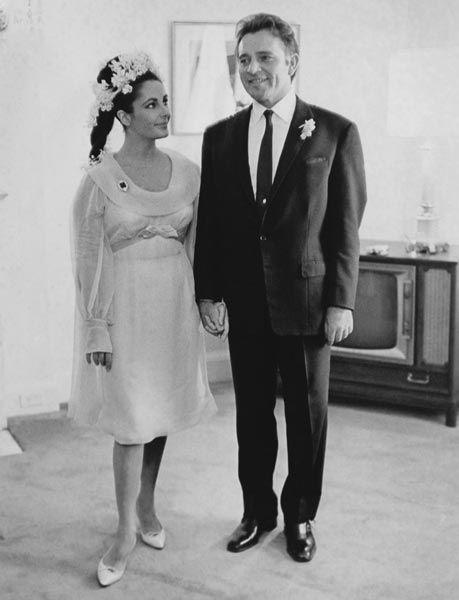 Elizabeth Taylor et Richard Burton, acteurs, 1964