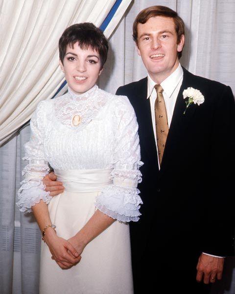 Liza Minnelli, chanteuse, et Peter Allen, musicien, 1967