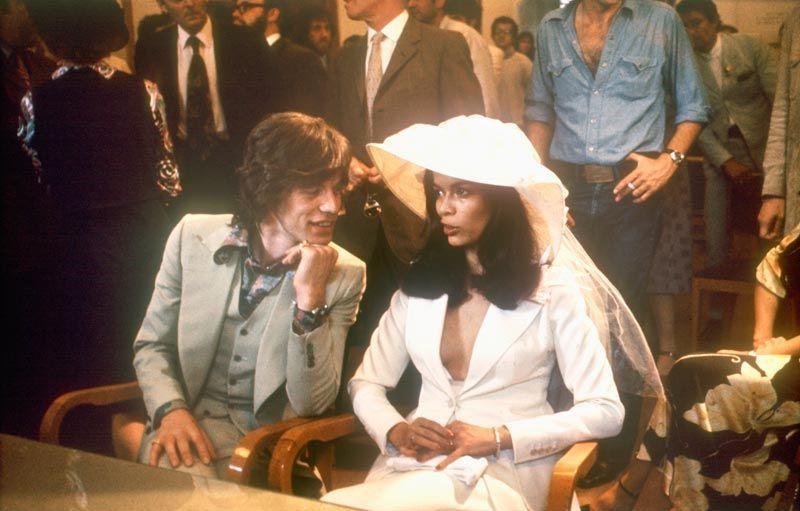 Mick Jagger, chanteur, et Bianca, actrice, 1971