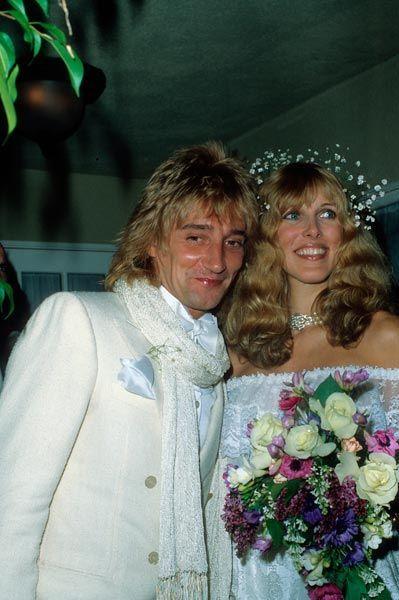Rod Stewart, chanteur, et Alana Hamilton, mannequin, 1979