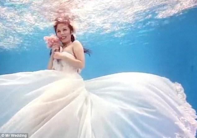 Mariage sous l'eau 2