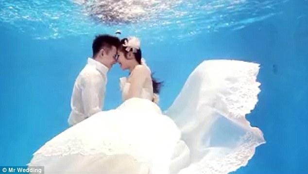 Mariage sous l'eau 3