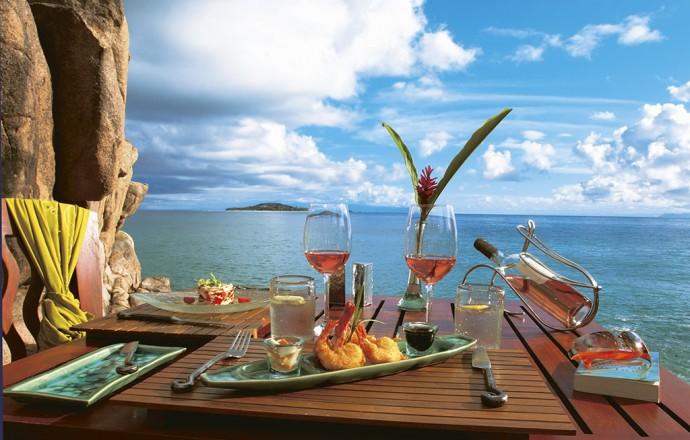 seychelles-hotel-constance-lemuria-diner