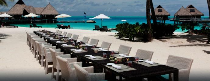 reception-hotel-nui-resort