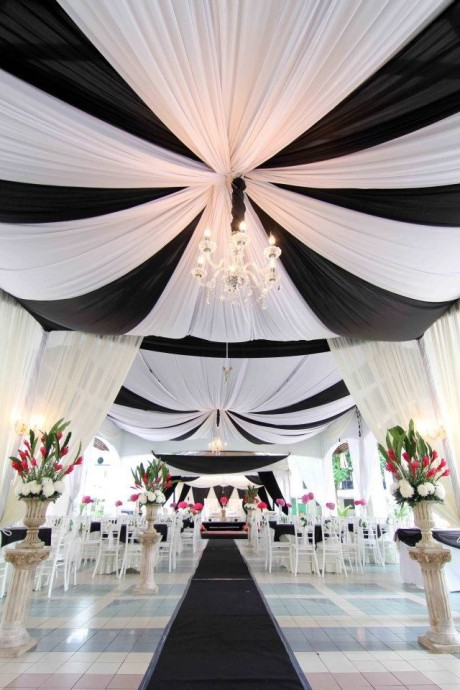 salle-de-reception-black-and-white