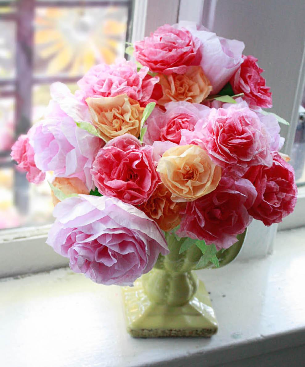 DIY : des centres de table fleuris tout en papier