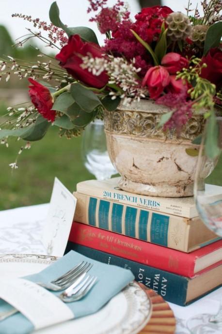 decoration table fleurs livres chines mariage invitation au voyage