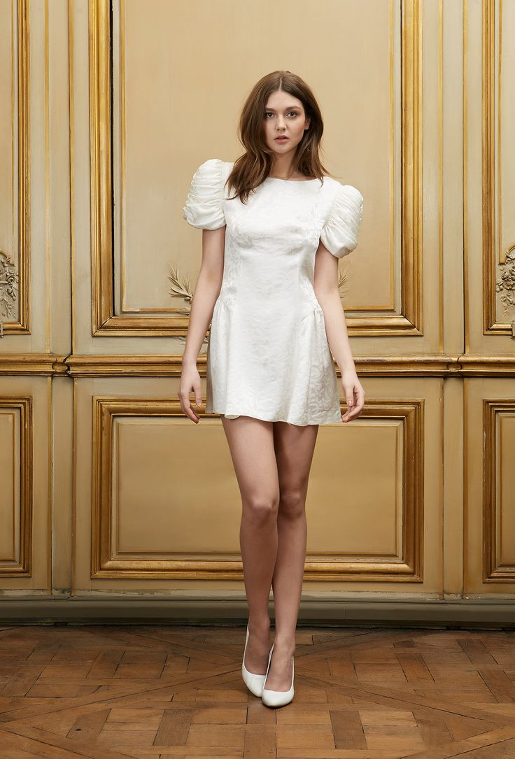 10 robes craquantes pour se marier la mairie for Robes de 12 mois pour le mariage