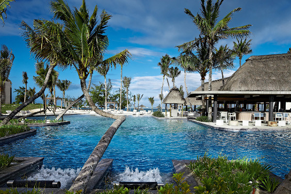 long beach mauritius piscine