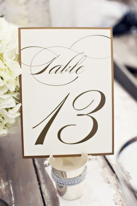 numero de table decoration or argent