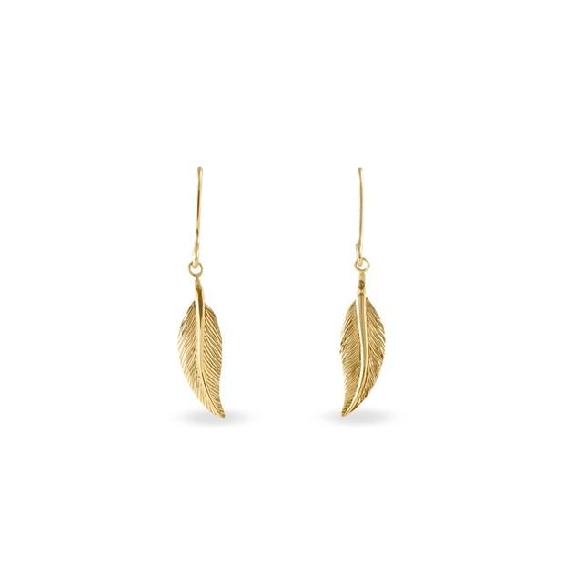 Les bijoux en or peuvent avoir un prix raisonnable, oui oui ! Voyez par exemple cette paire de feuilles (à nouveau ce motif !). Joliment ciselées, elles vous donneront une allure bohème tout en restant discrètes. Boucles d'oreilles en or 375, Histoire d'Or, 79 euros.