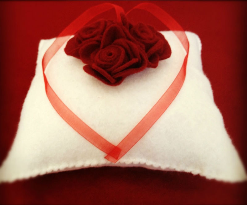 Coussin alliances St Valentin 12
