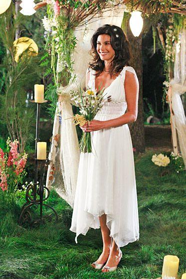 Susan ne sera plus si désespérée après son mariage avec le beau Mike. Desperate Housewives, saison 3.