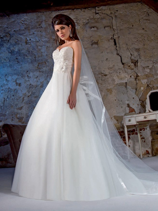 L 39 empire du mariage collection 2015 for Robes de mariage empire uk